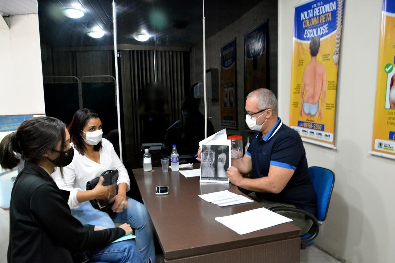 Projeto Coluna Reta realiza primeiras cirurgias em Volta Redonda